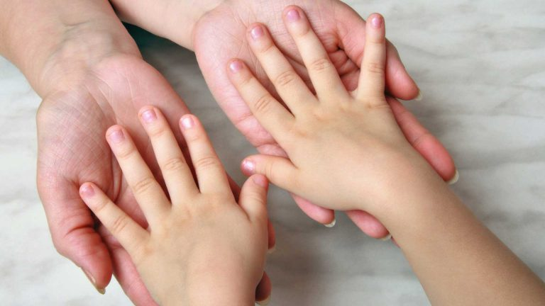 shared-parenting-mother-paying-child-support-001
